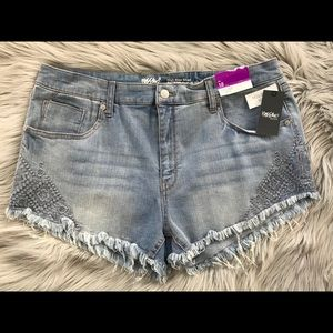 High Rise Embroidered Cut-Off Jean Shorts Stretch